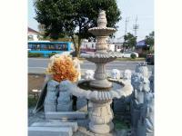 三层石雕喷泉